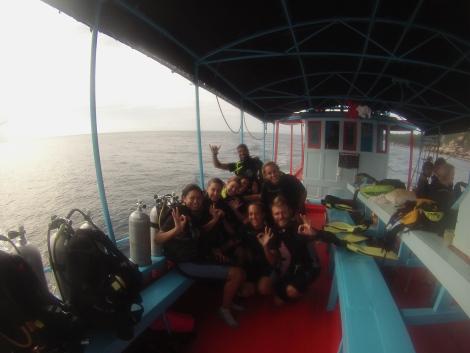 El equipo de Ihasia antes de la inmersión