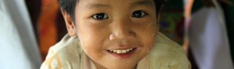 De regalo, muchas sonrisas - Mi visita a los proyectos de Colabora Birmania