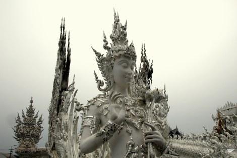 Detalles templo blanco