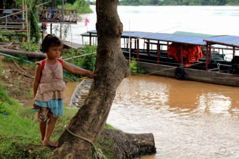 Al colegio 4000 islas Laos
