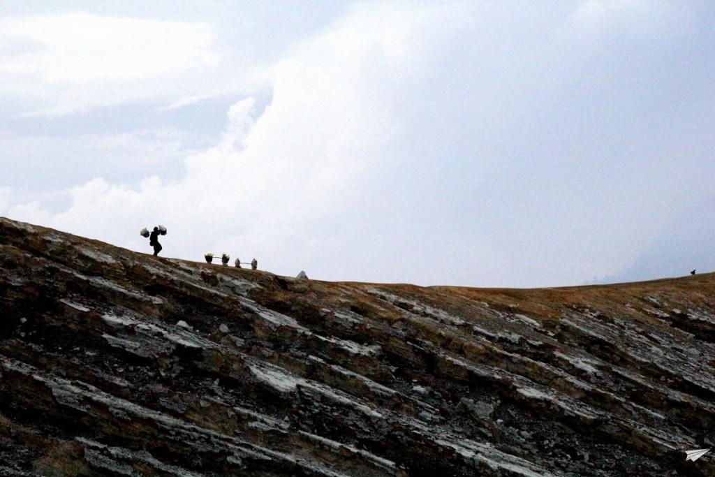 Kawah Ijen Indonesia al amanecer