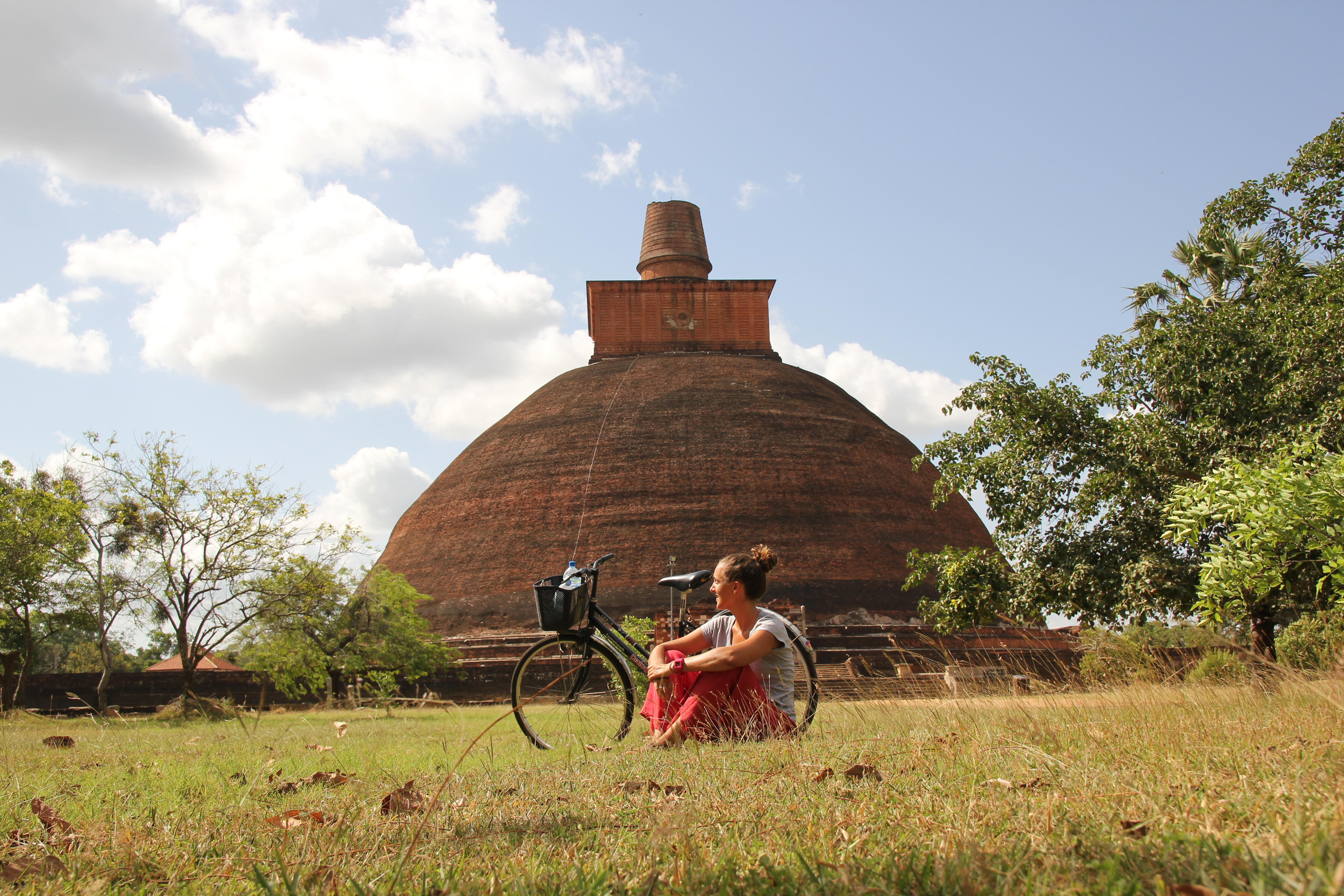 Anuradhapura, entre templos y dagobas en bicicleta